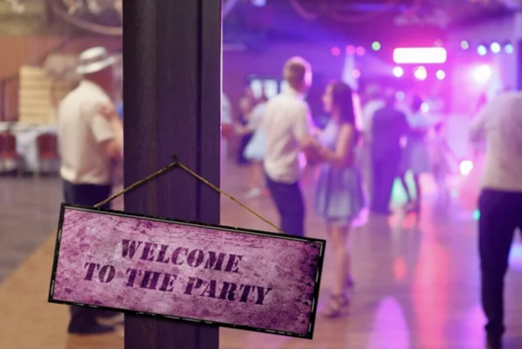 volle Tanzfläche mit Hochzeit DJ Markus Lison
