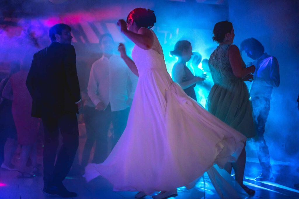 volle Tanzfläche auf der Hochzeit mit DJ Markus Lison